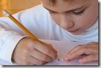 aluno-escrevendo