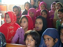 Cristal with Children in  Afghan Refugees Settlelment I-12_HF (10)