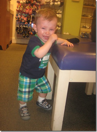 09 29 11 - First shoes at Stride Rite! (3)