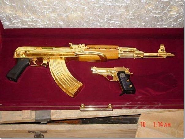 Armas de Ouro de Saddam Hussein (19)