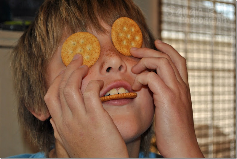 boy-with-ritz-on-his-face