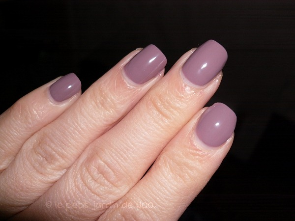004-max-factor-max-effects-mini-nail-polish-cappuccino