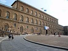 220px-Florence-PalaisPitti