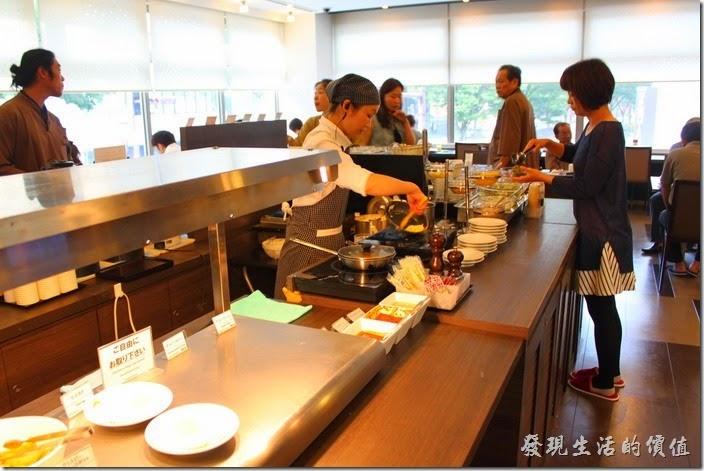 【博多祇園Hotel東名inn】的早餐,也可以請廚房現場製作蛋料理。
