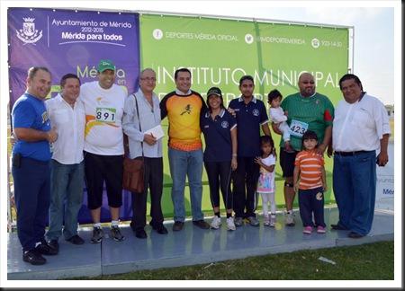 Cronistas con el alcalde Renán Barrera