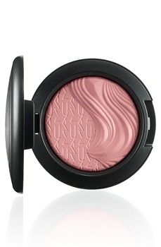 MAC-Extra-Dimension-Blush-At-Dusk_th