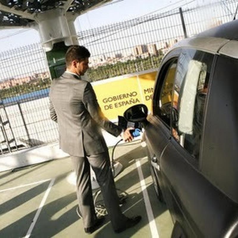 """Nuevas """"Ferrolineras"""" para recargar coches eléctricos en España"""