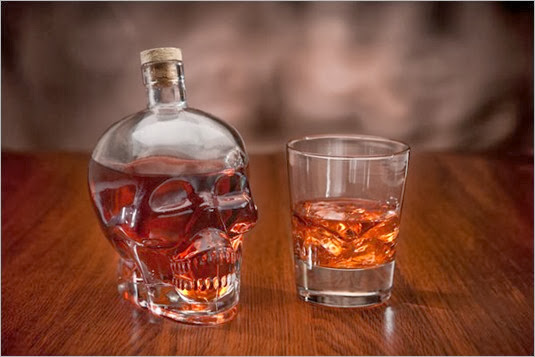 105484760_large_skull_decanter1