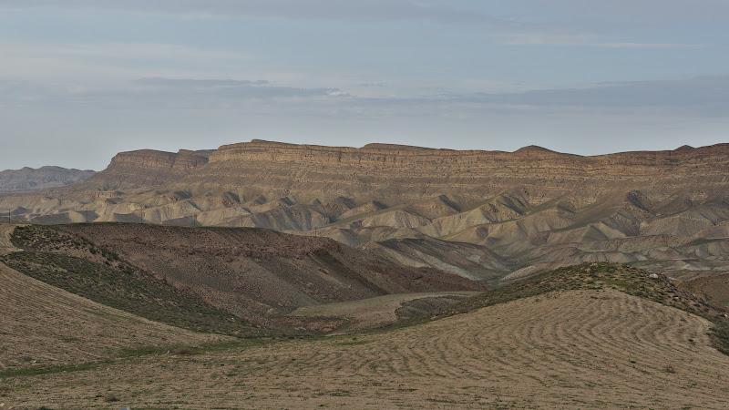 Dealurile Khorasanului.