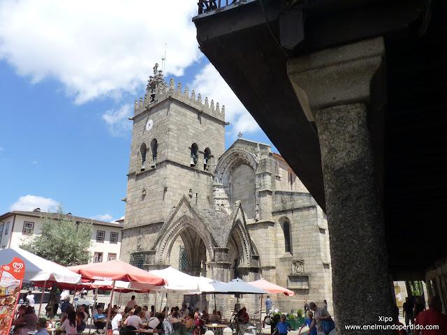 plaza-de-santiago-en-guimaraes.JPG