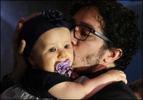 Jean Wyllys e bebe