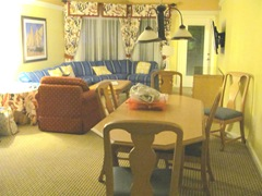 Florida 3.2013 Marriott Cypress Harbour dining area living room2