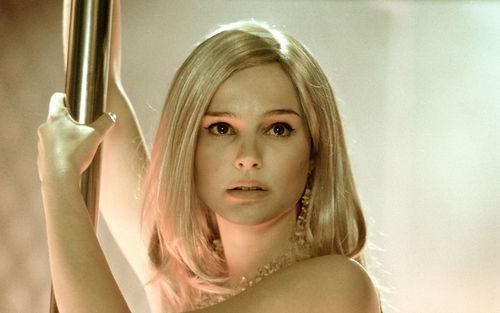 natalie-portman-as-a-blonde