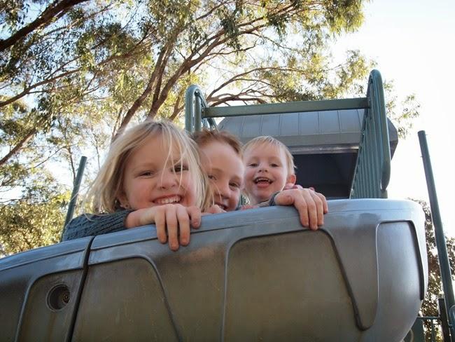 virtù - siblings on the slide