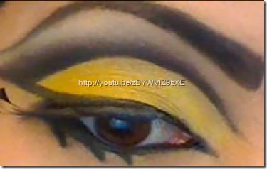 ojo maquillaje abeja