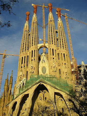 Spain images: Sagrada Familia in Barcelona