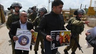 palestinian-demonstrators-story-top