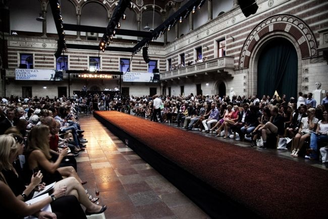 Copenhagen-Fashion-Week-2010-fall-cityhall