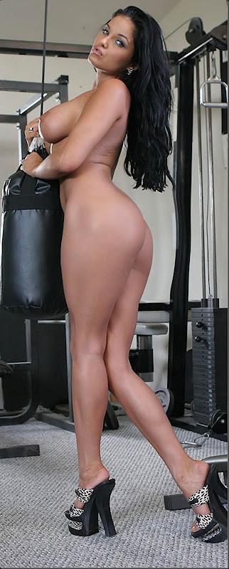 musculo-01--mulher-pelada-nua-buceta-pussy-02022