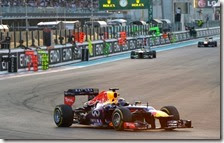 Vettel vince il gran premio di Abu Dhabi 2013