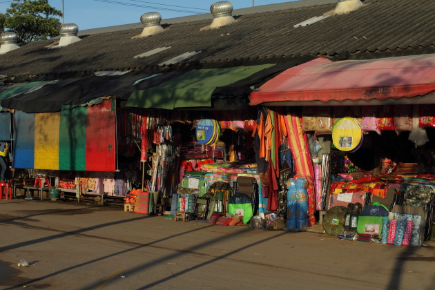 Shops at Aranyaprathet's border market, Thailand