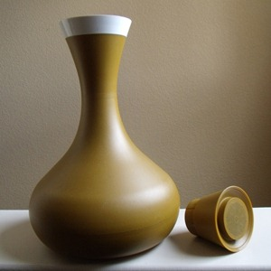 David Douglas Therm Ware carafe, harvest gold