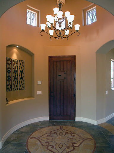 Entry foyer decorating ideas for Foyer meaning in english