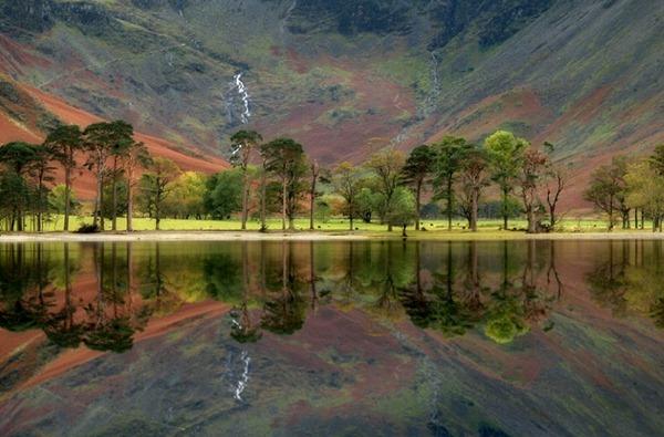 mirror on the landscape Stunning pictures of Britain's glorious countryside
