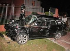 carro do Fernando Ribas Carli Ex-Deputado no acidente que matou dois jovens rapazes