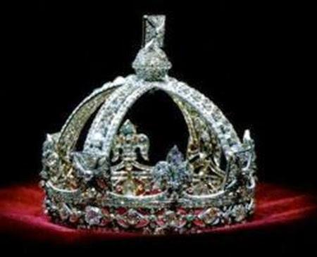 Corona pequeña de la reina Victoria - joyas del Reino Unido