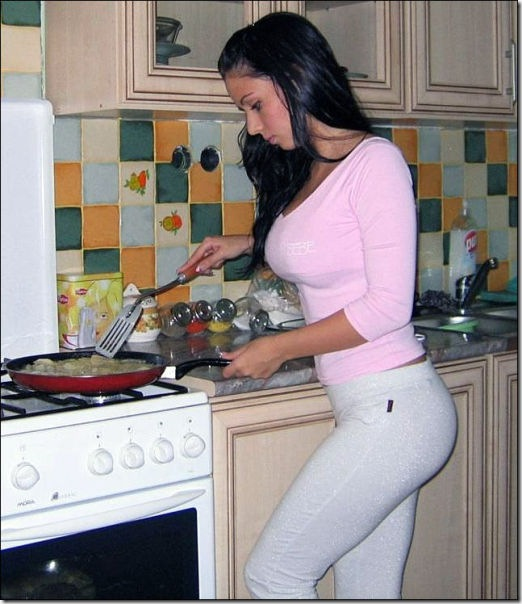kitchen-women-work-13