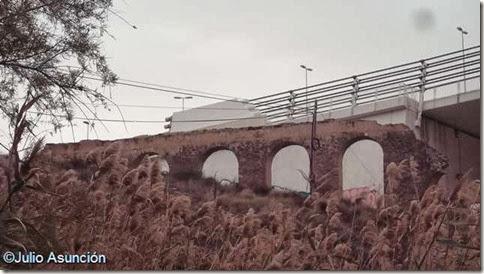 Elche - Acueducto junto al puente del Bimilenario