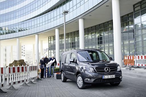 2013-Mercedes-Citan-03.jpg