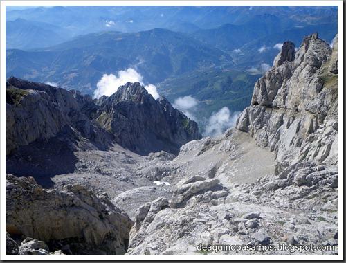 Jito Escarandi - Jierru 2424m - Lechugales 2444m - Grajal de Arriba y de Abajo (Picos de Europa) 0095