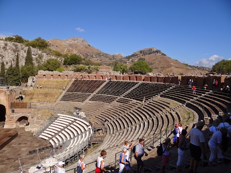 08. Tribune teatrul grec.JPG