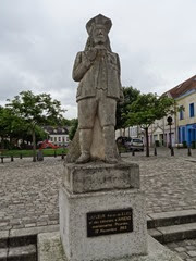 2014.07.20-005 statue de Lafleur