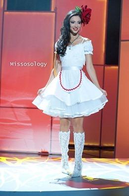 miss-uni-2011-costumes-38