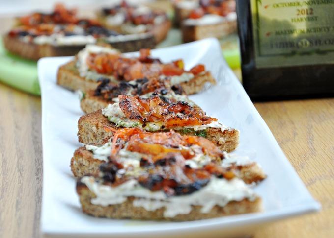 pesto hummus tomato tartine 112