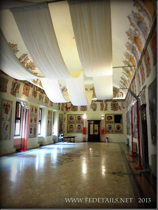 Dentro al Castello Estense, La sala degli Stemmi, Foto5, Ferrara, EmiliaRomagna,Italia - Inside the Estense Castle, The Hall Coat of Arms, Photo5, Ferrara, EmiliaRomagna, Italy - Property and Copyrights of FEdetails.net