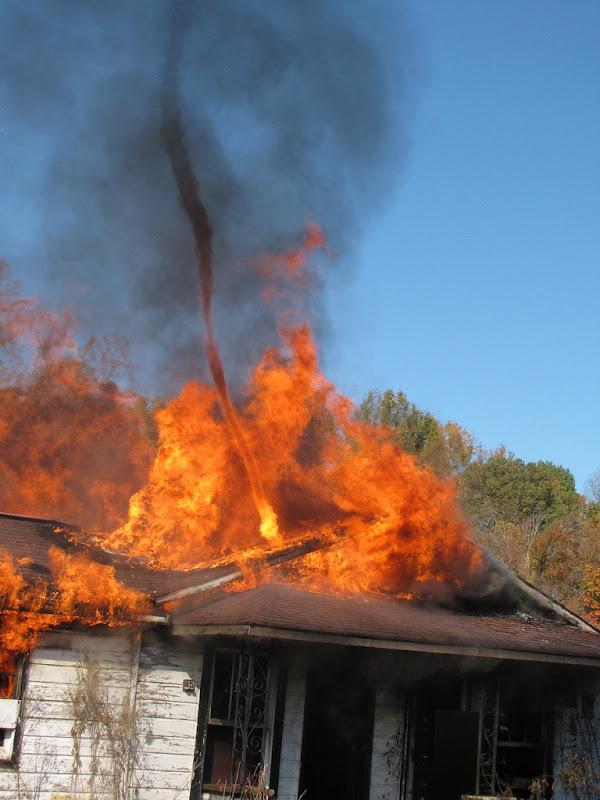 fire-tornadoes (2)