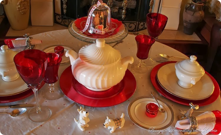Valentine Tablescape Ideas-Bargain Decorating with laurie