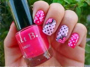 unhas decoradas com tonalidade rosa (2)