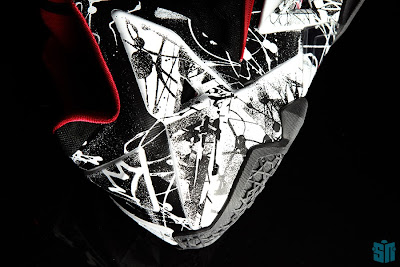 nike lebron 11 gr freegums graffiti 6 06 A Truly Beauty Look at Nike LeBron XI (11) Graffiti