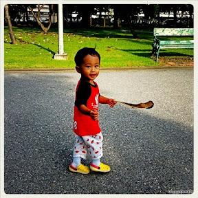 พู่กันสนุกสนานพ่อพาเดินที่สวนจตุจักร