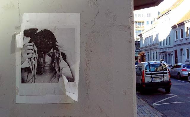 Fotokunst im Hauseingang Hamburg Altona