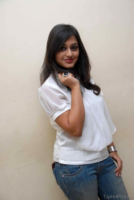 Ramya Barna Hot Pics in Red Top and Short Jeans 8
