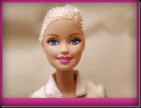 Barbie-calva-bald-and-really-beautiful-princess-2013-muñecas-Barbie-juguetes-Pucca-juegos-infantiles-niñas-cancer-hospital-chicas-maquillar-vestir-peinar-fashion-belleza-princesas-bebes-facebook-3