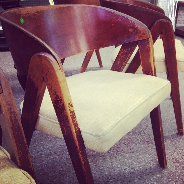 thriftscorethursday allqdup midcentury chairs