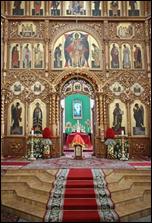 Право служіння Божественної літургії з відкритими царськими вратами