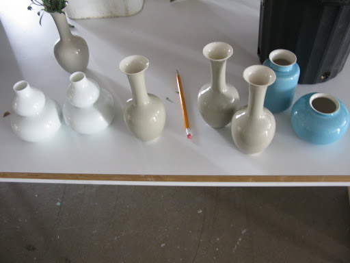 Some adorable vases from Middle Kingdom. They come in such great shapes and colors.